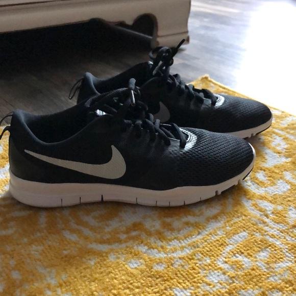 Nike Shoes   Nike Flex Essential Tr